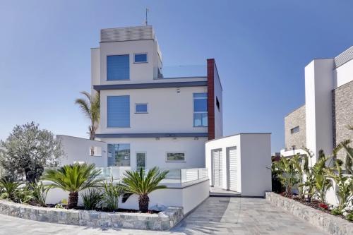 6 bedroom villa in Ayia Napa