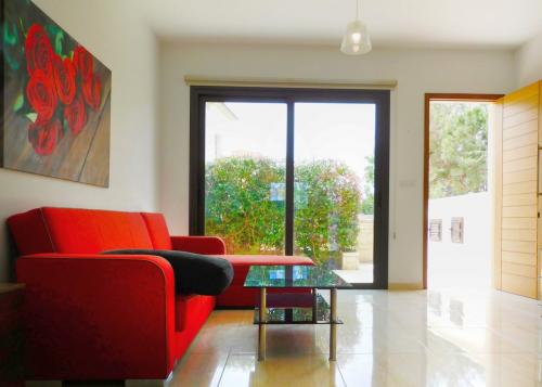 2 Bedroom Townhouse in Pafos