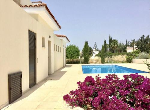 2 Bedroom Townhouse in Coral Bay, Pafos