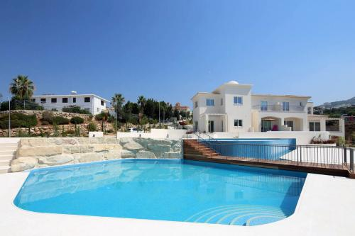 3 Bedroom Penthouse in Tala, Pafos