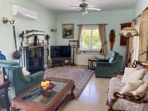2 Bedroom Villa in Tsada, Pafos